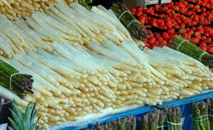 白アスパラガスを絶品に!簡単な茹で方と下ごしらえのコツ