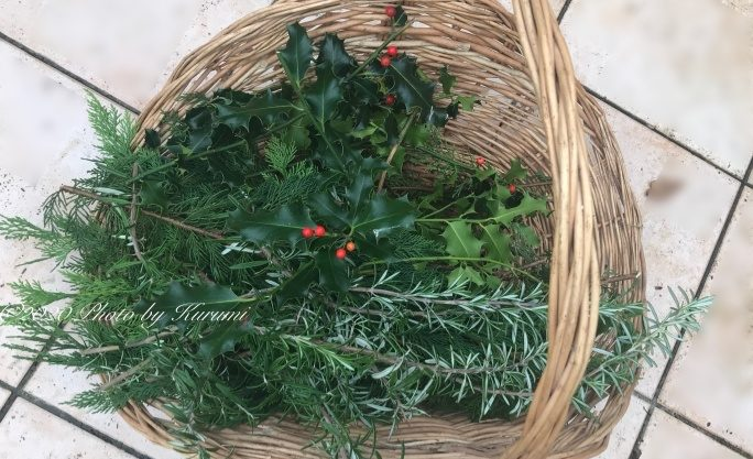 フランスの森の材料でナチュラルなクリスマス・アレンジとリース